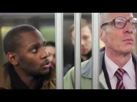 Qu'on arrête de faire la gueule dans le métro poster