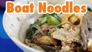 Thai Boat Noodles in Bangkok at Victory Monument (ก๋วยเตี๋ยวเรือ)