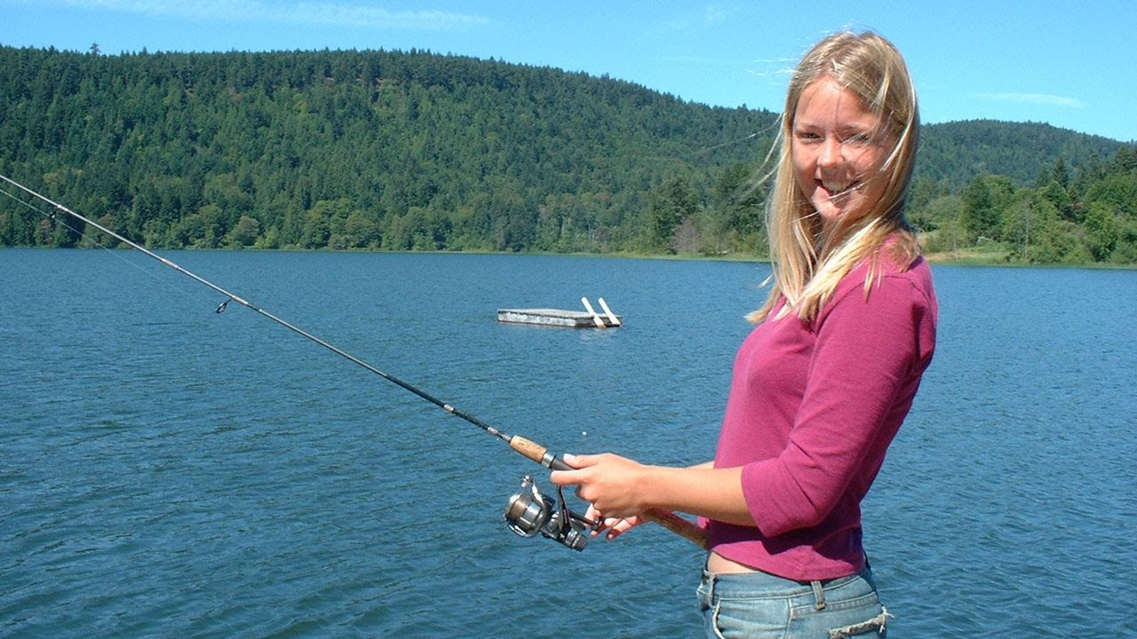 Fishing with rod girls gone fishing youtube for Fish for girls