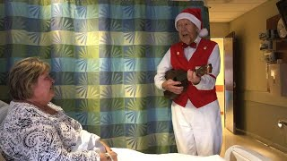 89-Year-Old Man Serenades Hospital Patients With Ukulele: 'I Love Doing It'