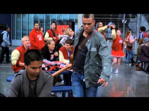 Glee-Puck and artie singing- one love,one heart.wmv