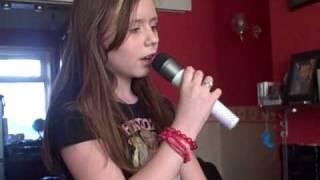 Lisa sings No one Alicia Keys Xbox 360 Lips.