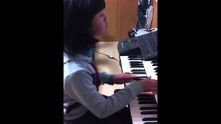 Út Uyên My..1 bài nhạc đệm Thánh Ca của Japan