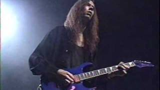 Paul Gilbert amazing guitar solo