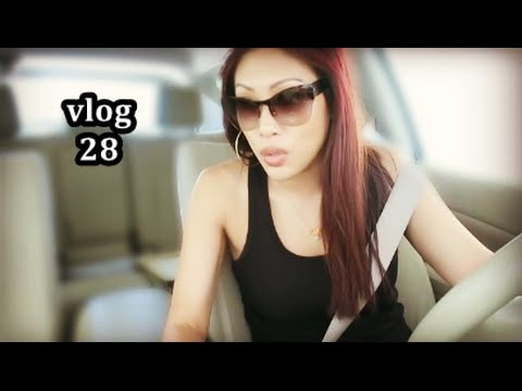 VLOG #28 :: Pizza Hut, Costco, Blog Sale, Reappearing Boys