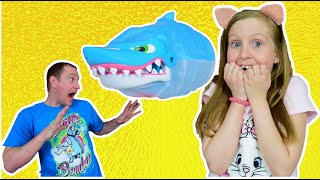 Игра укус акулы! Видео для детей от Ulyana's Empire
