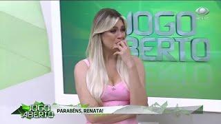 Renata se emociona com declarações dos comentaristas