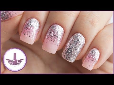 Розовый гель лак на ногтях