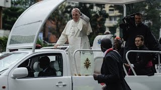 Kenya: Pope Francis greeted by huge crowds at start of landmark Africa tour