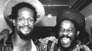 Video Dennis Brown Feat. Gregory Isaacs - Raggamuffin download MP3, 3GP, MP4, WEBM, AVI, FLV Desember 2017
