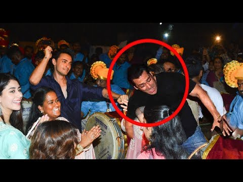 Full Video : Salman Khan's Ganpati Visarjan 2018 At House Galaxy,Bandra (PART-1)
