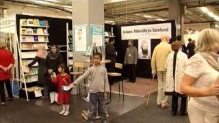 Report: Ahmadiyya Muslim Community's Book Stall in Gothenburg Sweden