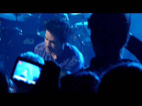 Train - Marry Me (live @ Enmore) 2010 HD