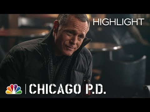 Chicago PD  Share the Moment: Breaking Point Episode Highlight
