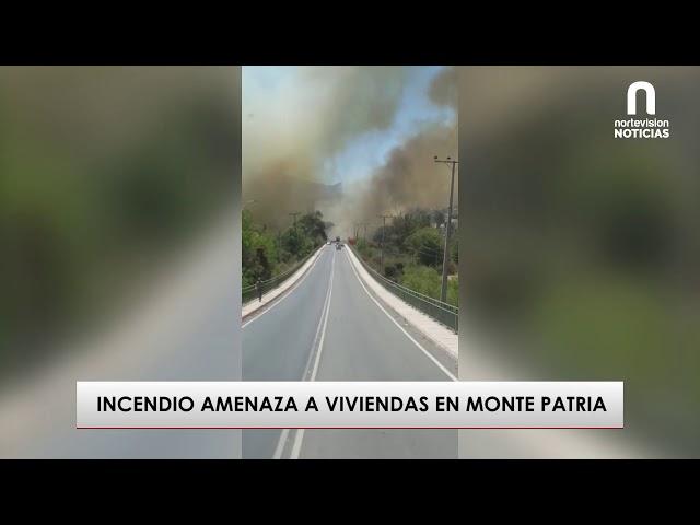 Incendio amenaza a viviendas en Monte Patria