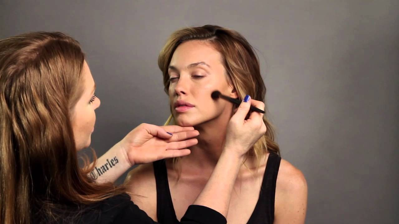 Celebrity makeup artist julianne kaye recommends colorescience celebrity makeup artist julianne kaye recommends colorescience get the look youtube baditri Gallery