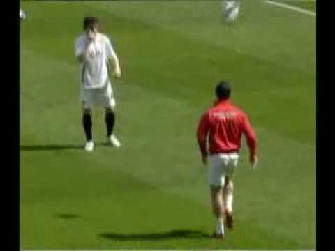 Ngoisao   Ronaldo pho dien ky thuat trong luc khoi dong