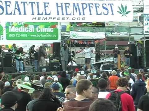 Seattle Hempfest 2010 hemp marijuana bongs pipes food dancing dizzy prepaid legal services