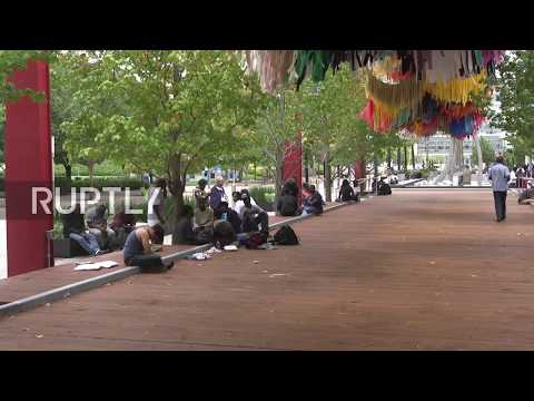 USA: Houston convention centre houses 9,000 people following Hurricane Harvey