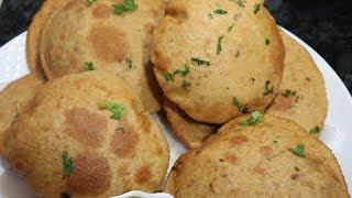 Agar Aapki bhi Kachori Phat Jati hai toh Banaye in Tips ke Saath Phooli Phooli Kachoriyan