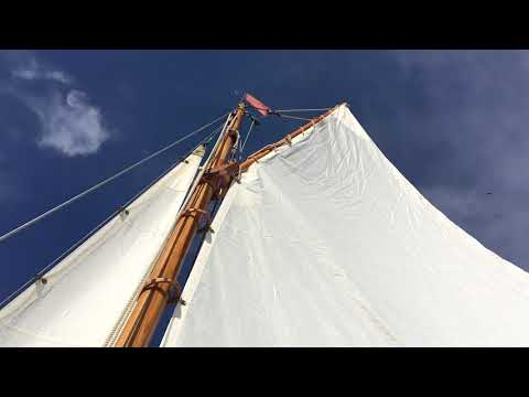 Herreshoff Buzzards Bay 14 Daysailer