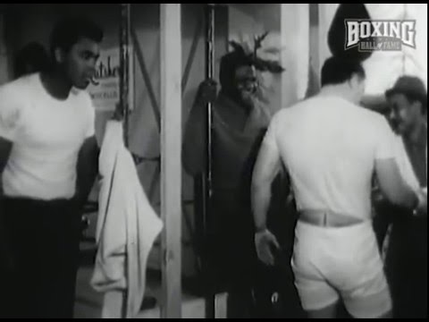 Muhammad Ali Funny Boxing Taunts at George Chuvalo  Rare Footage