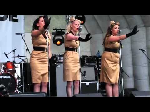 1940s themed vintage act S.O.S. Sirens of Swing- Available from alivenetwork.com