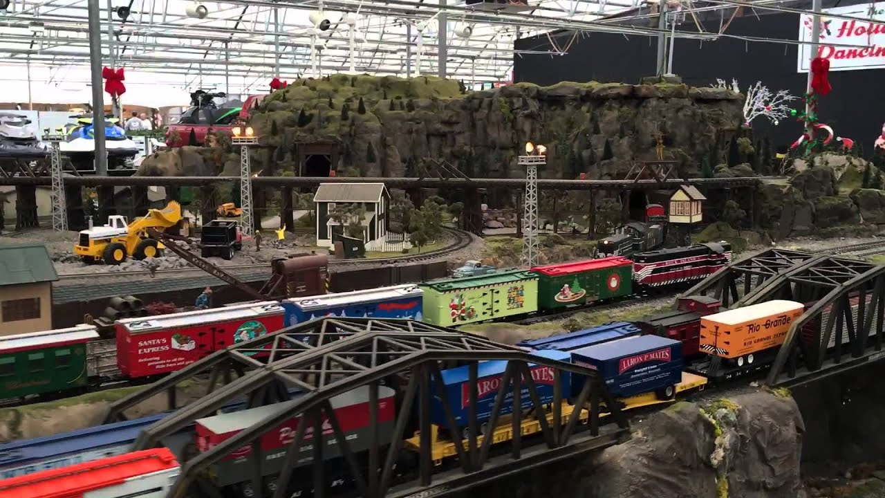 Model Train Display At The Garden Factory In Rochester Ny Youtube