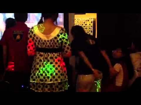 Ma family @ karaoke kop sari lol, night 04/10/2013