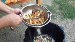 Картофель фри в казане.