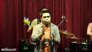 Abdul & The Coffee Theory - Happy Ending @ Mostly Jazz 03/05/13 [HD]