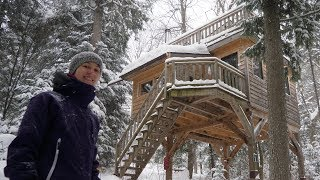 Treehouse-style Winter Cabin On Stilts During A Snowstorm! 4k Day 1