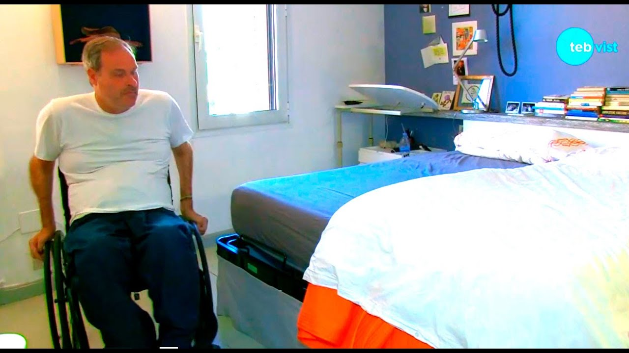 Sexo con un discapacitado en silla de ruedas