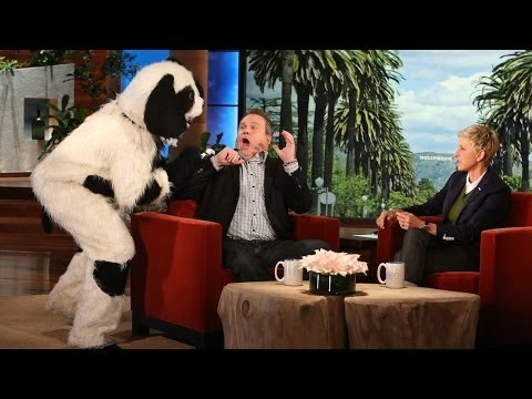 Eric Stonestreet Gets Scared... Again