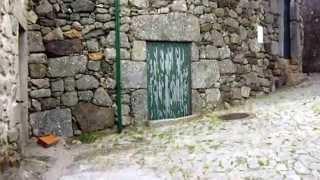 【WAS】ポルトガルの田舎町リニャレスにて 石造りの家々