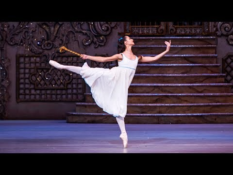 The Nutcracker – Dance of the Mirlitons (Francesca Hayward, The Royal Ballet)