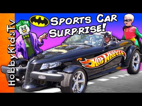Worlds Biggest BATMAN HOT WHEELS Surprise! Super Heroes Hot Rod  + Shark Attacks Joker HobbyKidsTV