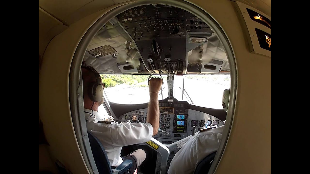 Att rrissage sur l 39 le de saint barth vue de l 39 int rieur d for L interieur d un avion