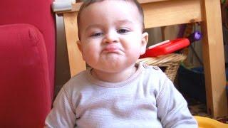Vidio Anak Kecil Makan Lucu Banget
