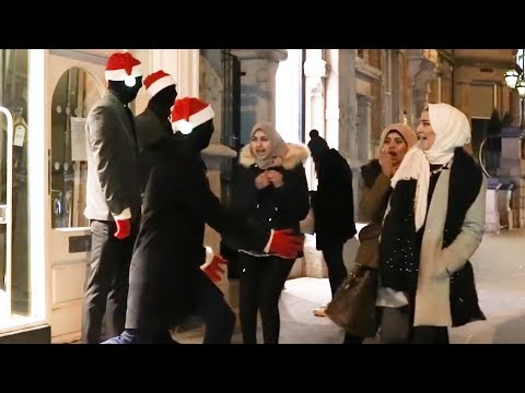 Christmas Edition 🎄 : Mannequins Prank