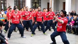 Hoko de la Selección de Rapa Nui en la Moneda