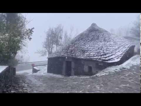 Vuelve la nieve a O Cebreiro