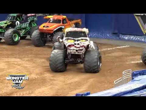 Zombie Monster Truck Freestyle from Saturday night in Orlando │ Monster Jam 2018