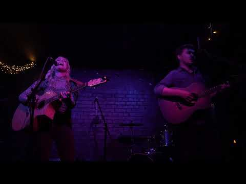 Emily Faye - Sucks To Be You @ The Slaughtered Lamb 25-11-2019-4k