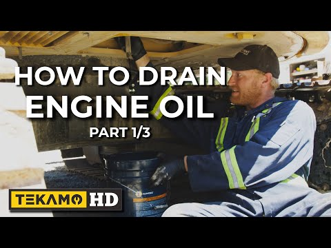 HD MECHANIC Shows You How To Drain Excavator Engine Oil — 250-Hour Service PART 1