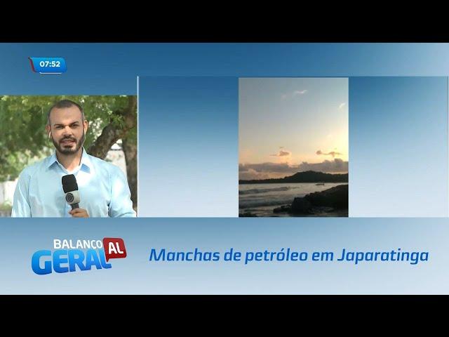 Manchas de petróleo chegam à praia de Japaratinga