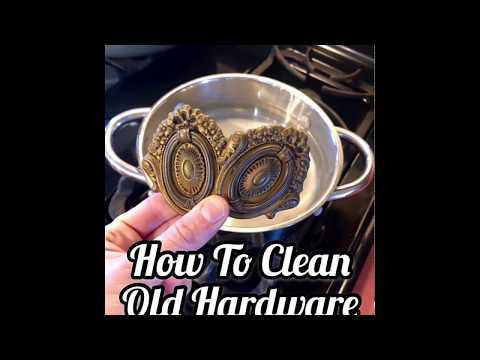 Cleaning Hardware with White Vinegar & Water