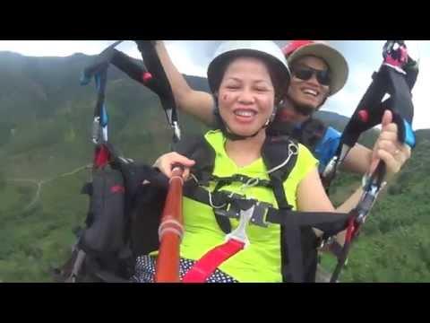 Ms Hoa. Bay đôi dù lượn cùng News Sky.