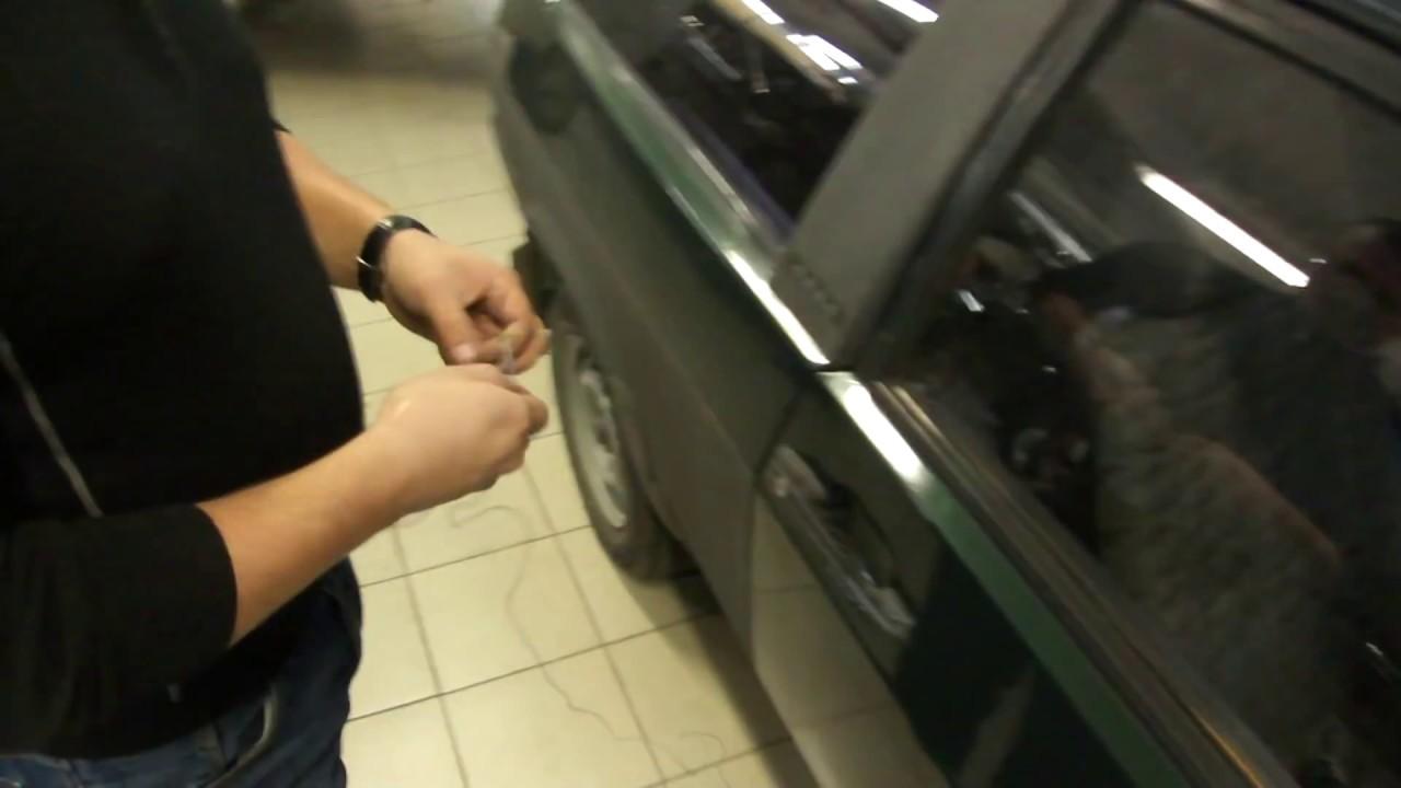 Если захлопнулись или забыли в машине ключи. Как открыть без ключей.
