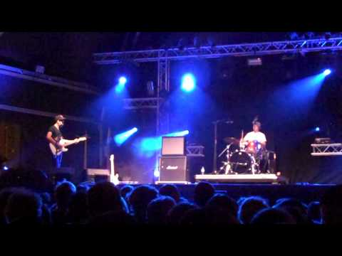 Wavves being a jerk @ Primavera Sound 09